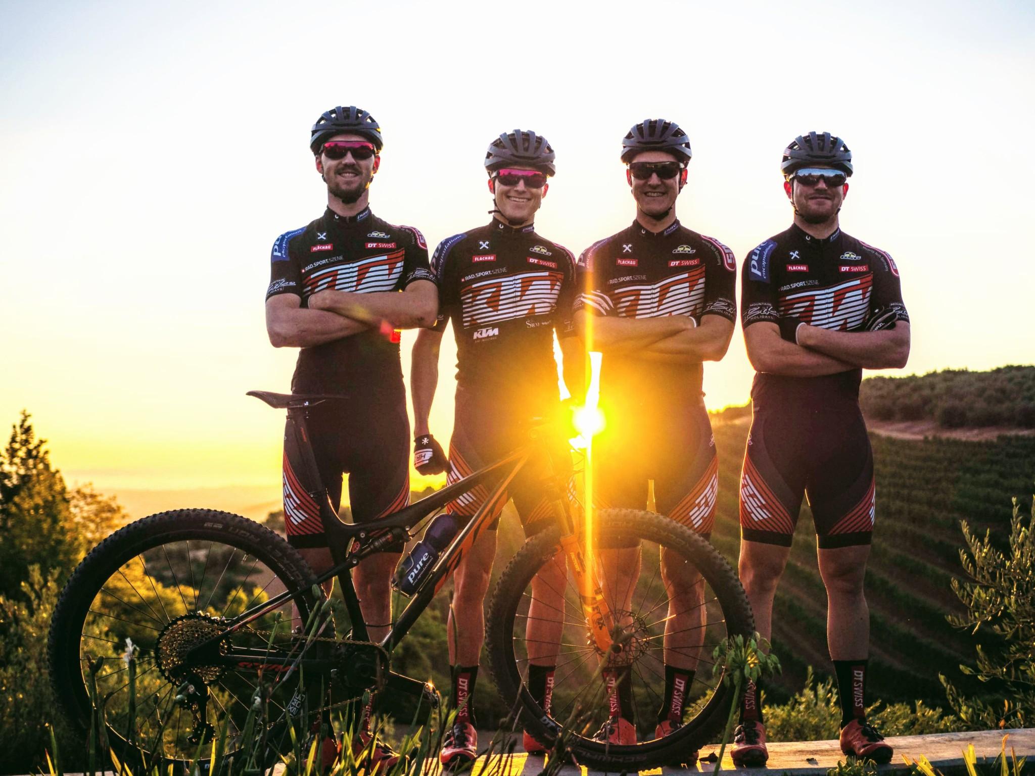 KTM-PRO-TEAM-Sunset-54-von-67-1